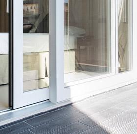 Mondial plast infissi porte e finestre scorrevoli alzante - Isolare le finestre ...